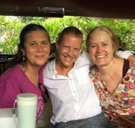 Happy hugging Ibu Robin Lim and Debra Pascali-Bonaro.