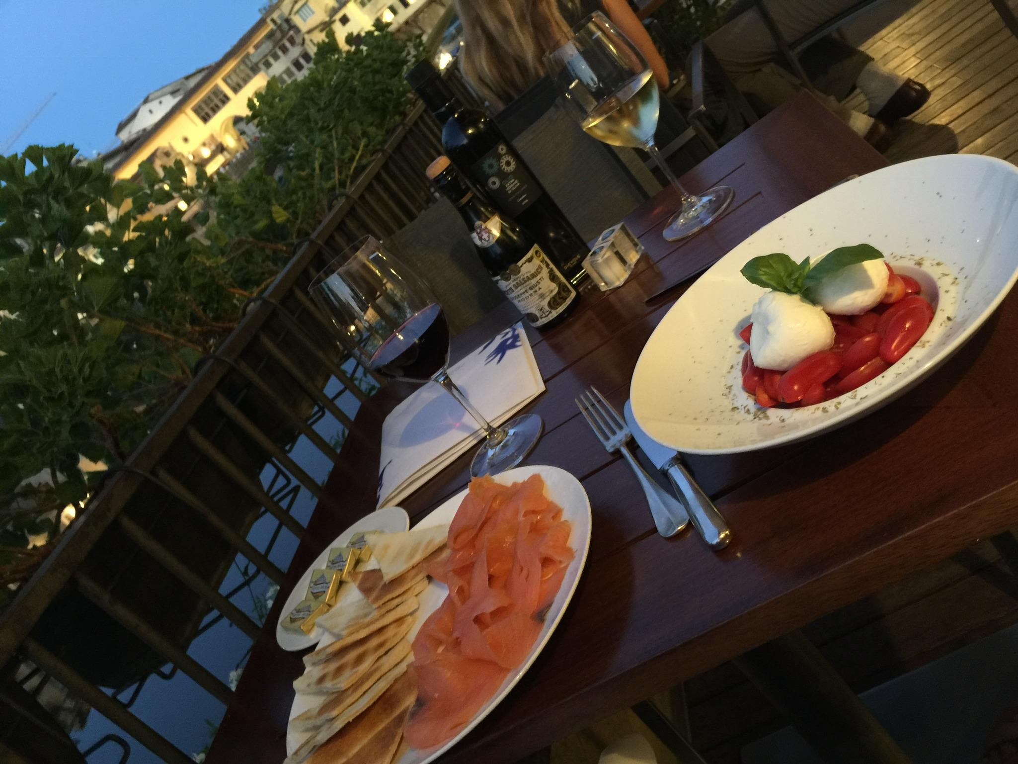 smoked salmon tomato and mozzarella basil www.annakooiman.com anna kooiman Italy