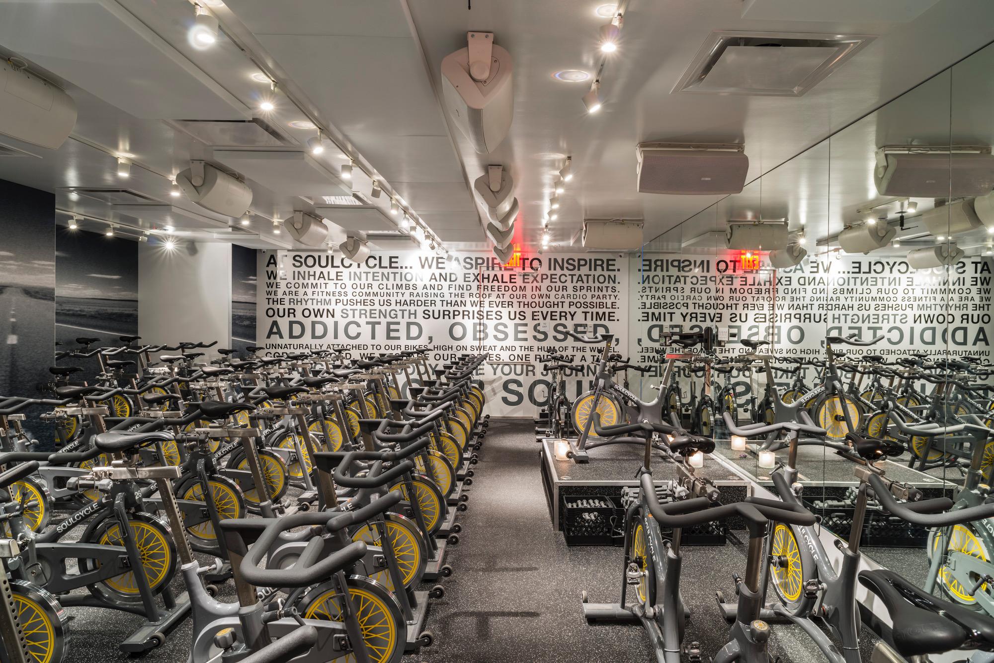 soul cycle studio before class www.annakooiman.com fitness travel lifestyle