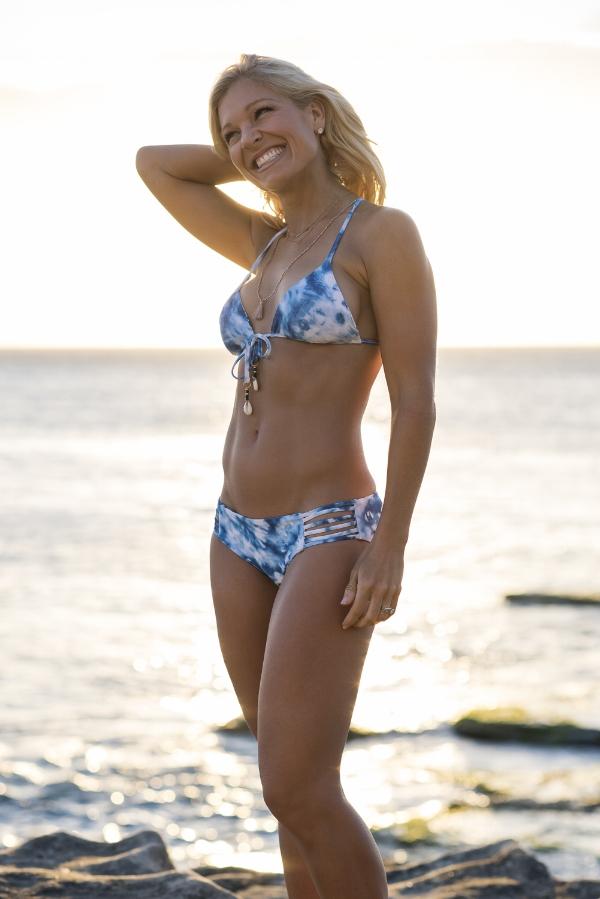 Anna Kooiman beach waves sea spray beach hair