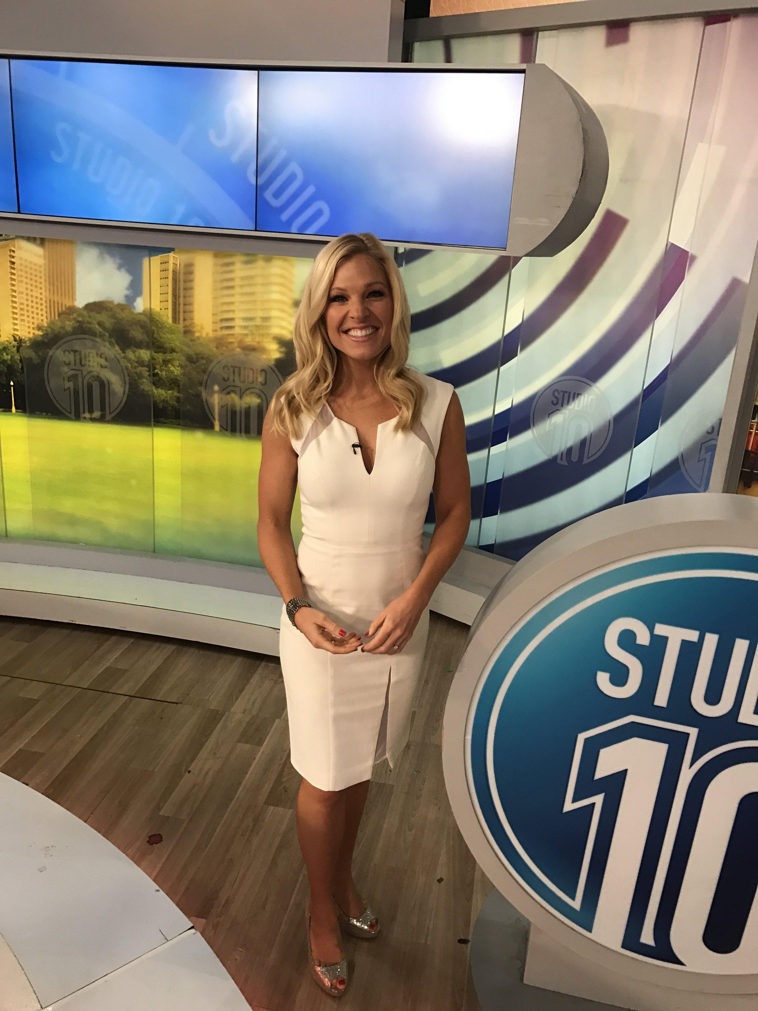 Anna Kooiman White Black Halo Dress May 11 2017 Studio 10