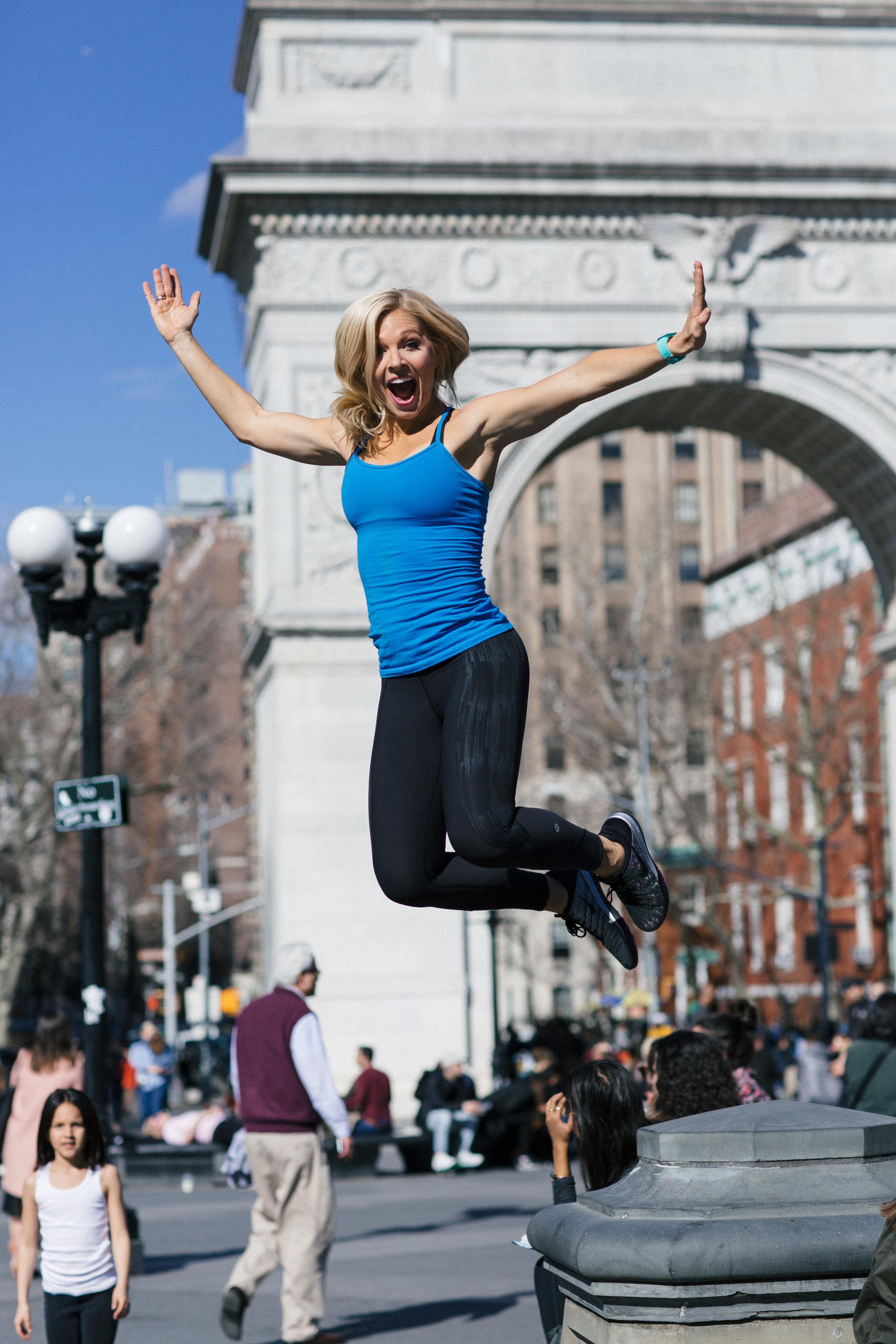 Anna Kooiman New York City Washington Square Park Jumping Off Fountain Lululemon Nike Nixon Fitness fashion Lydia Hudgens