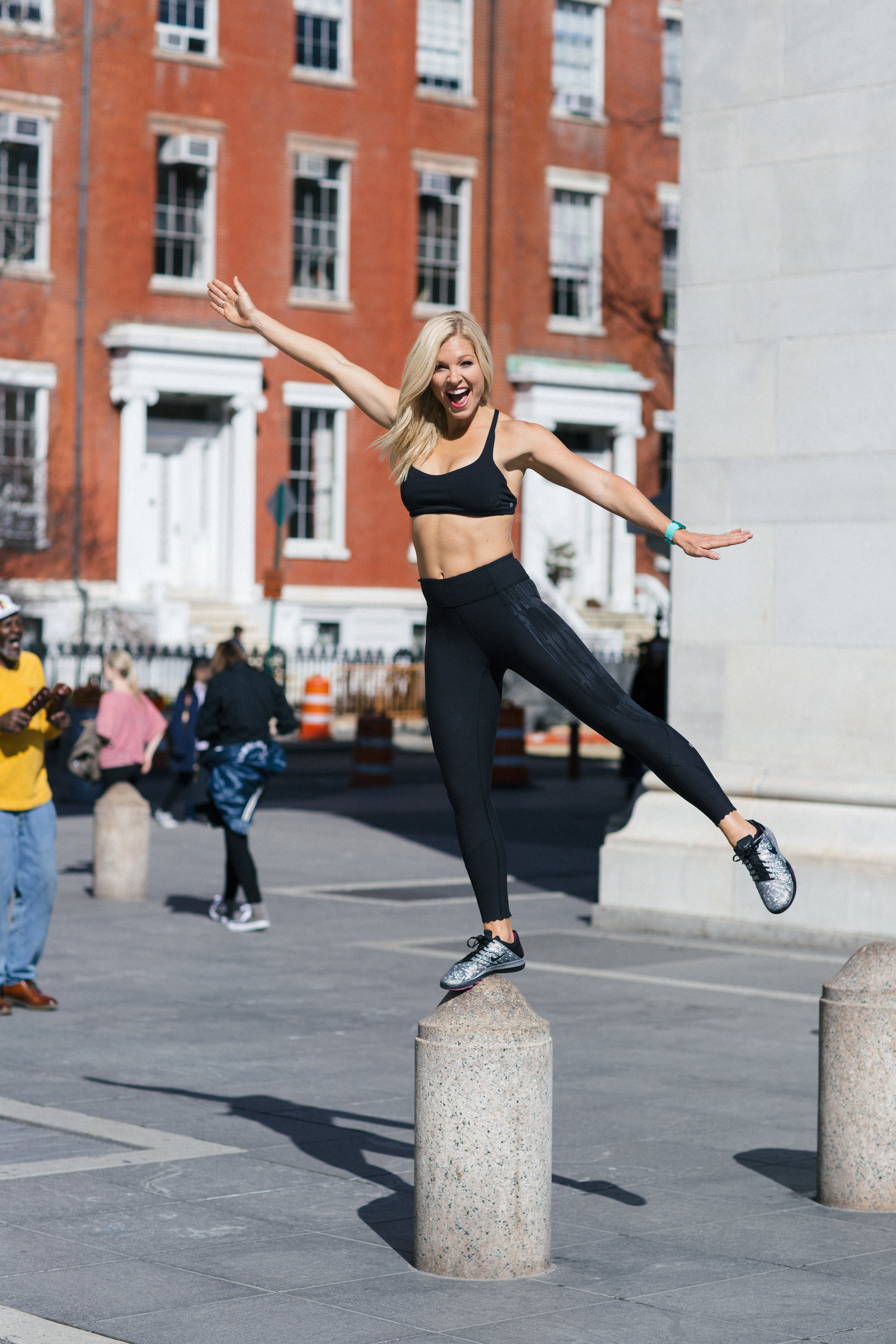 Anna Kooiman New York City Washington Square Park fitness travel lifestyle fashion television entertainment adventure fun annakooiman.com