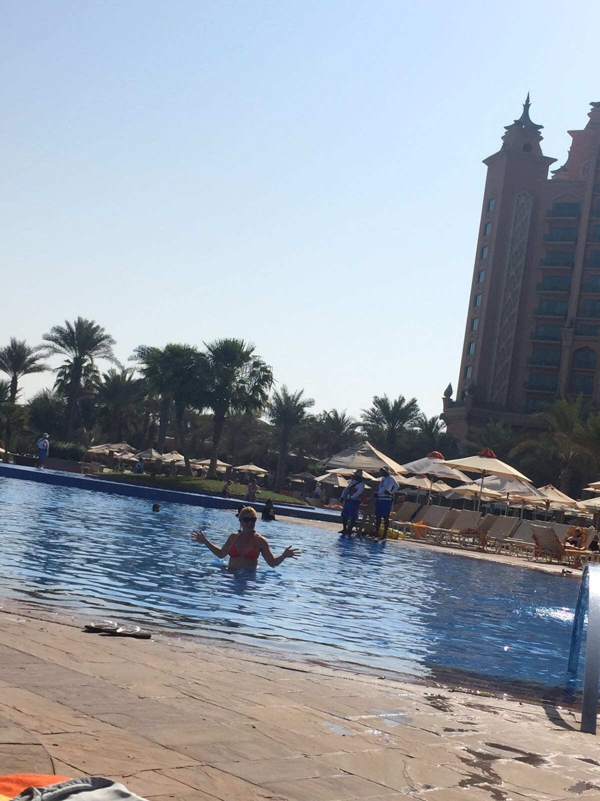 Anna Kooiman dubai atlantis united arab emirates travel fitness lifestyle style fashion annakooiman.com gordon ramsay waterpark aquarium desert adventure