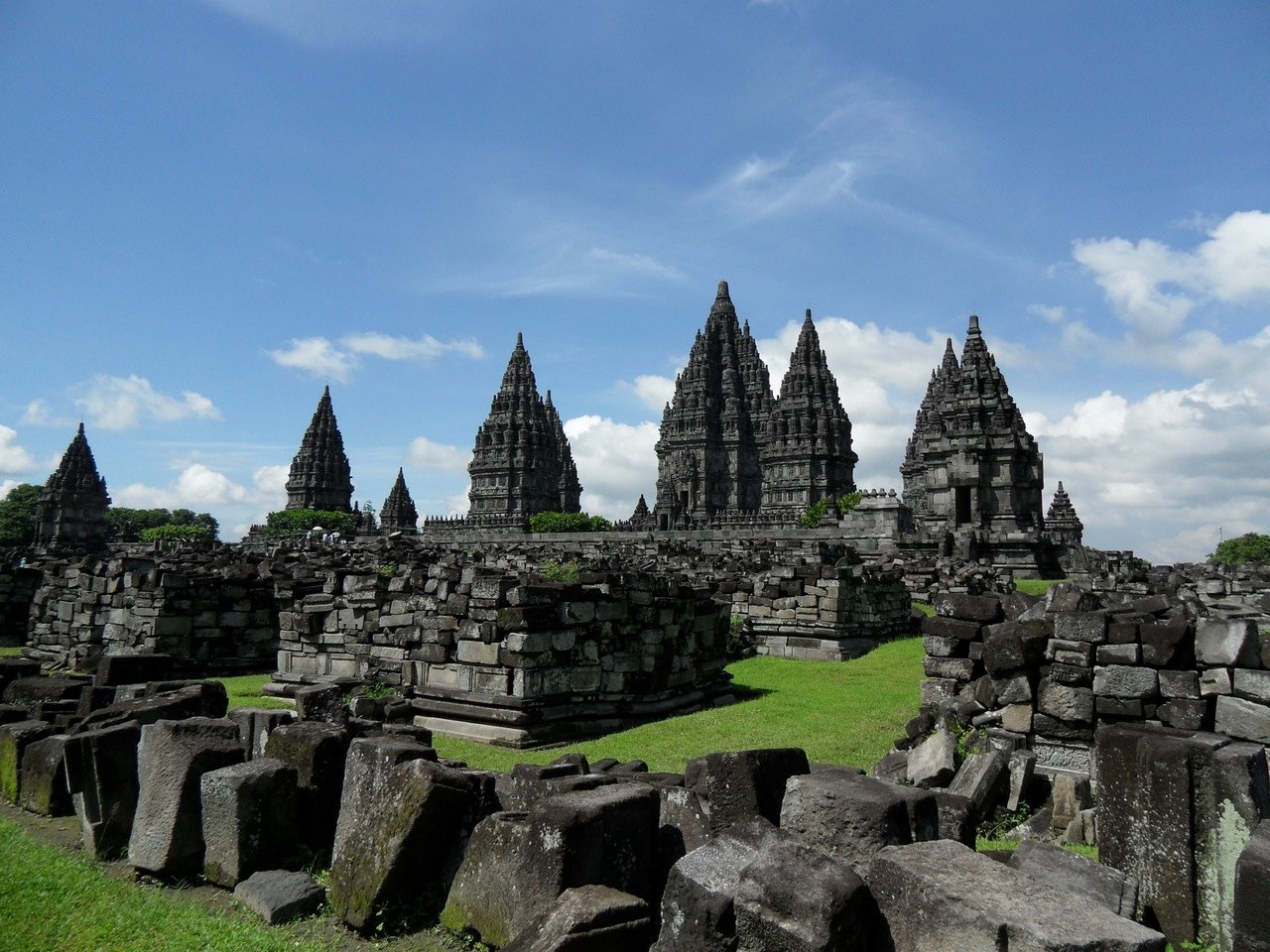 prambanan-temple-java-hinduism-161293.jpeg