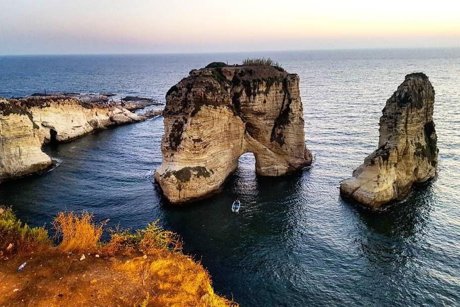 raouche-beirut-lebanon-travel-traveller-tourist-7-21-2017-10-21-26-pm-l.jpg