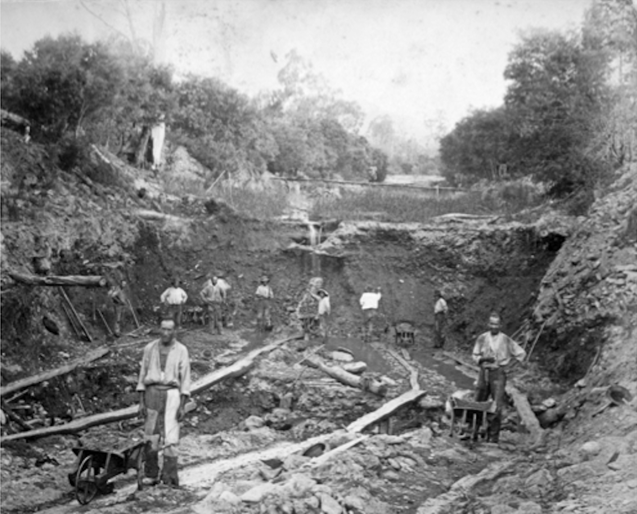 Chinese sluice-mining in creek bed, Ovens valley, 19th century