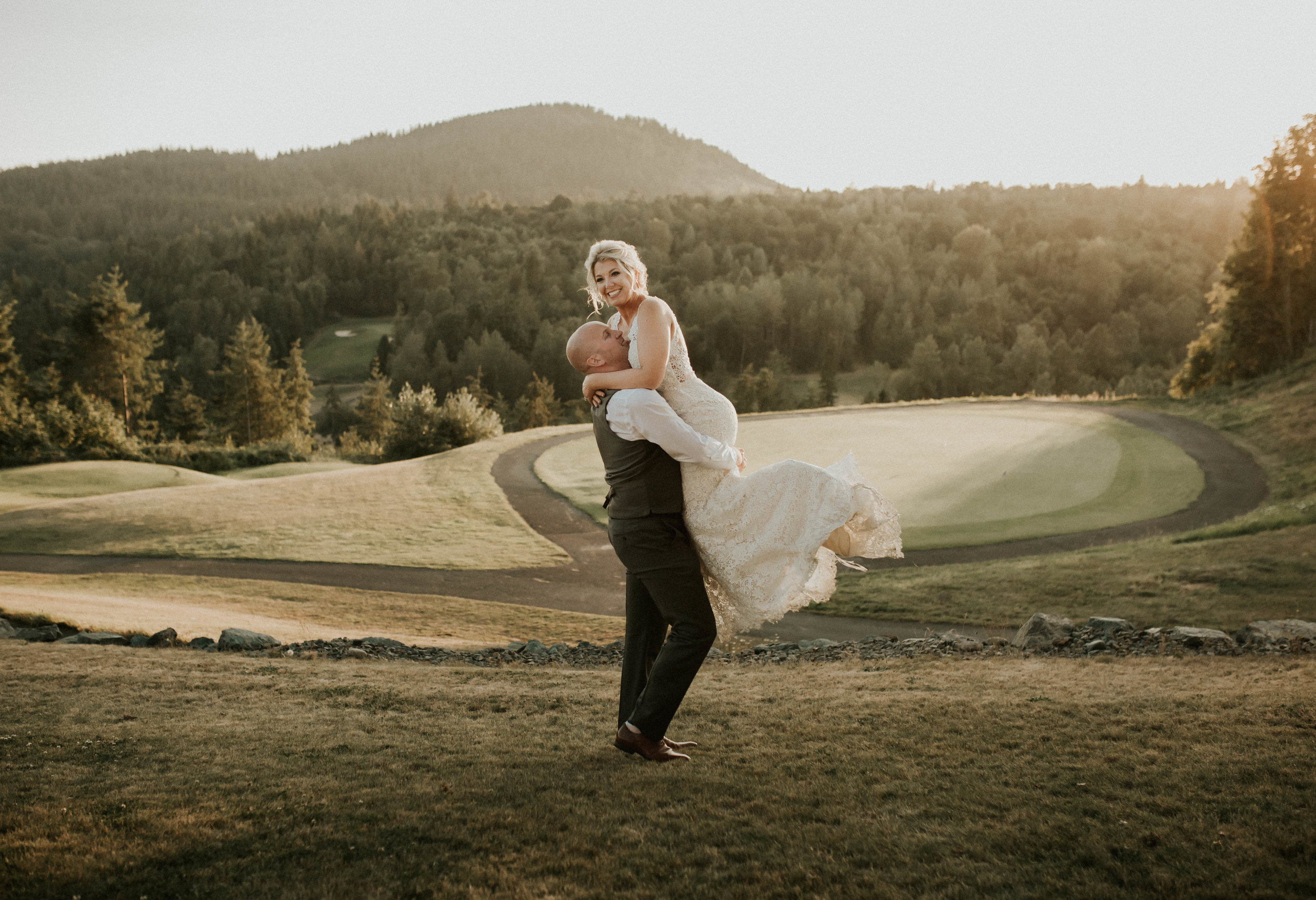 seattle-everett-washington-eaglemont-golf-course-wedding-anna-tee-photography