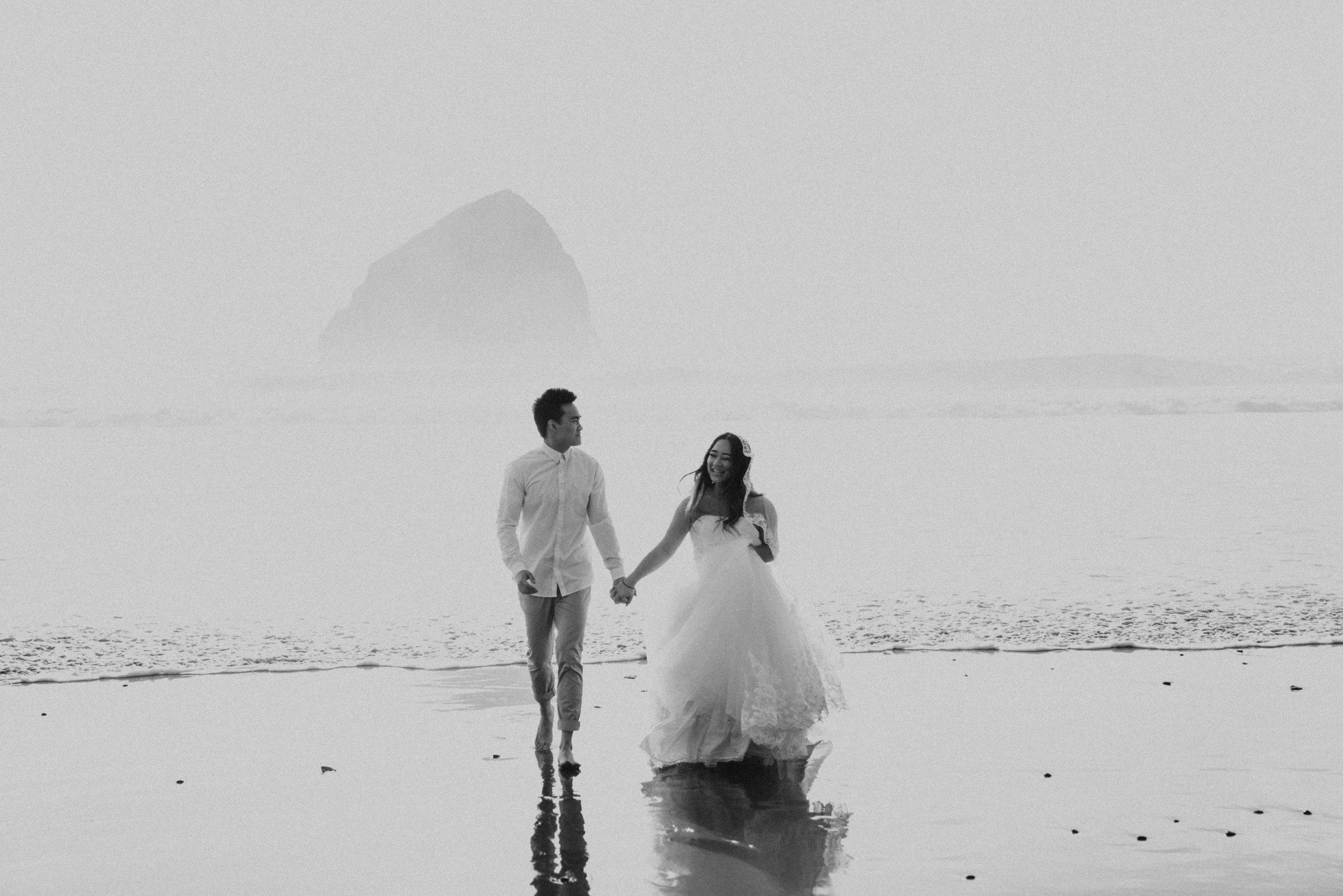 cape-kiwanda-beach-oregon-elopement