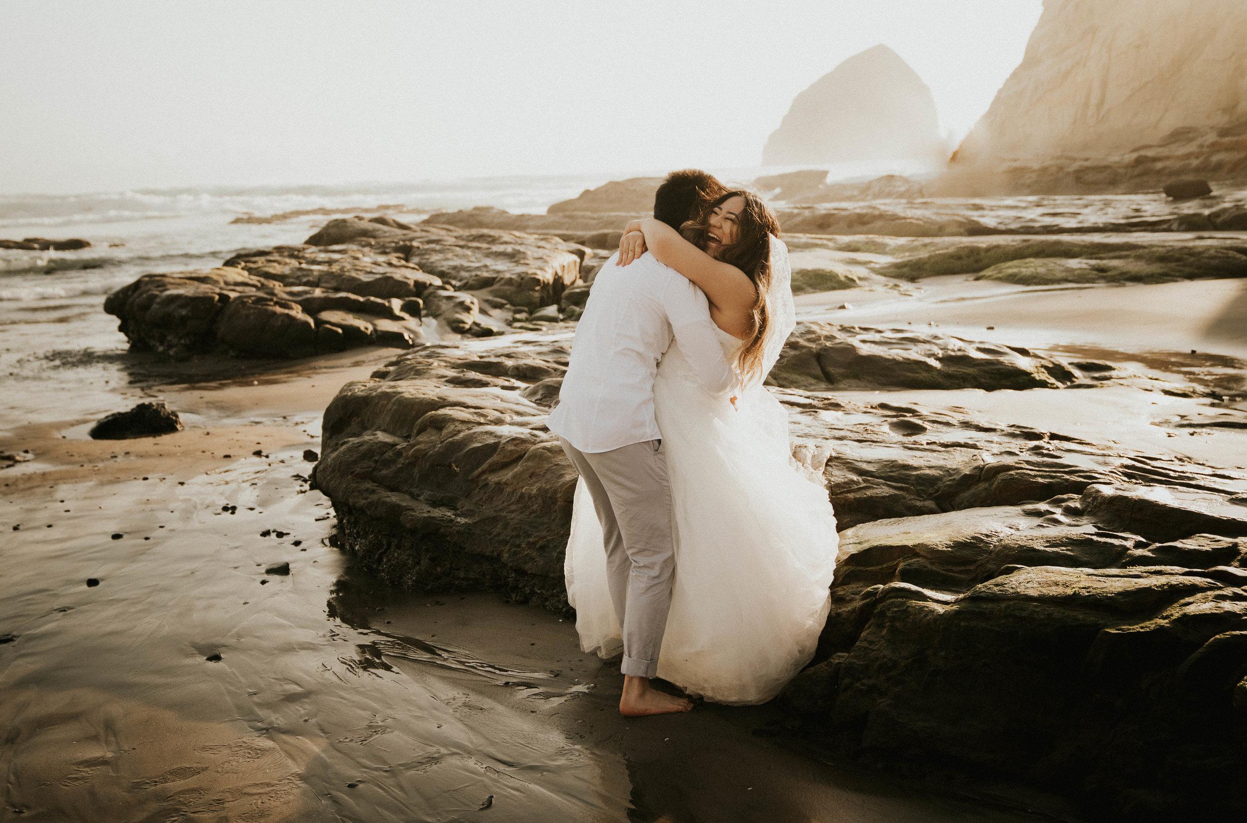 cape-kiwanda-elopement-anna-tee-photography