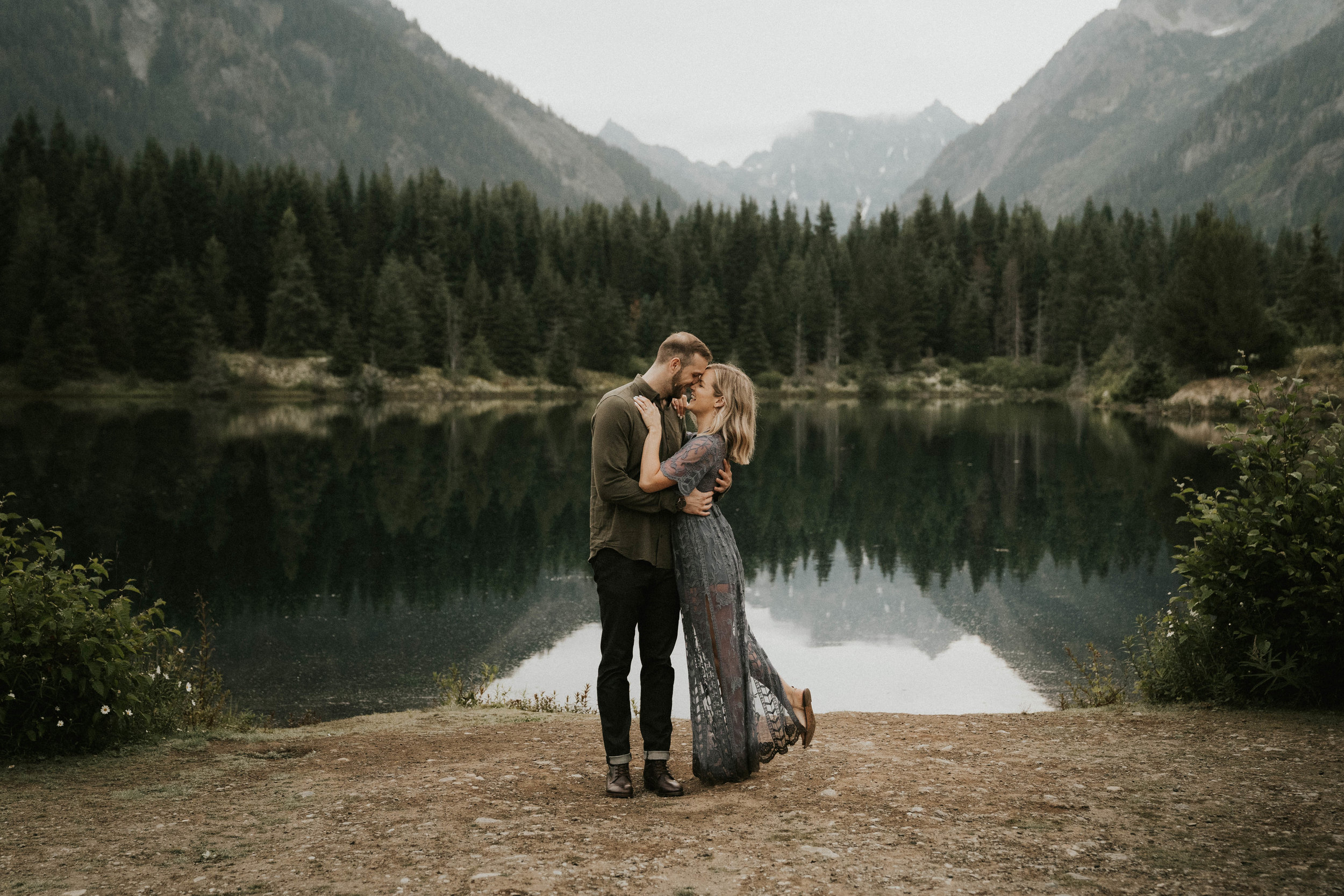 gold-creek-pond-engagement-session-seattle-wedding-photographer