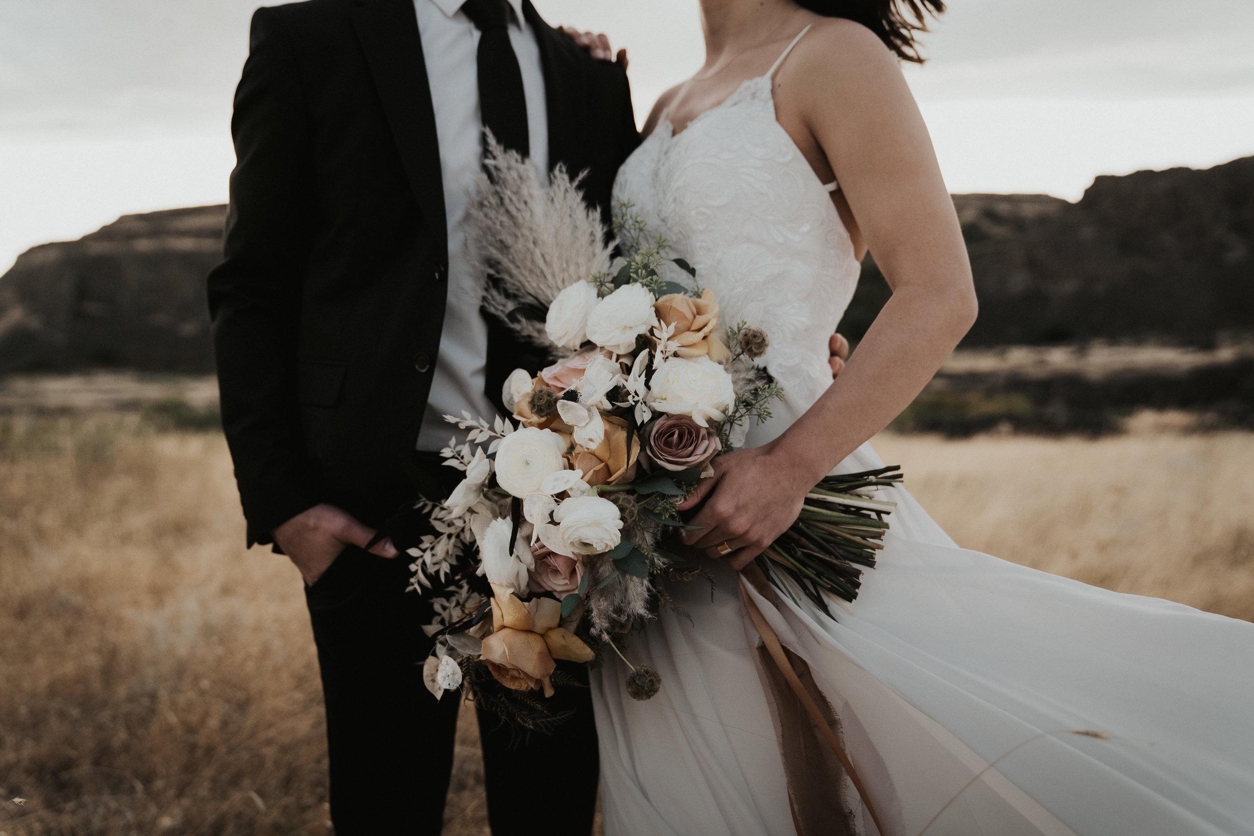 columbia-river-gorge-wedding-elopement-inspiration-16.jpg