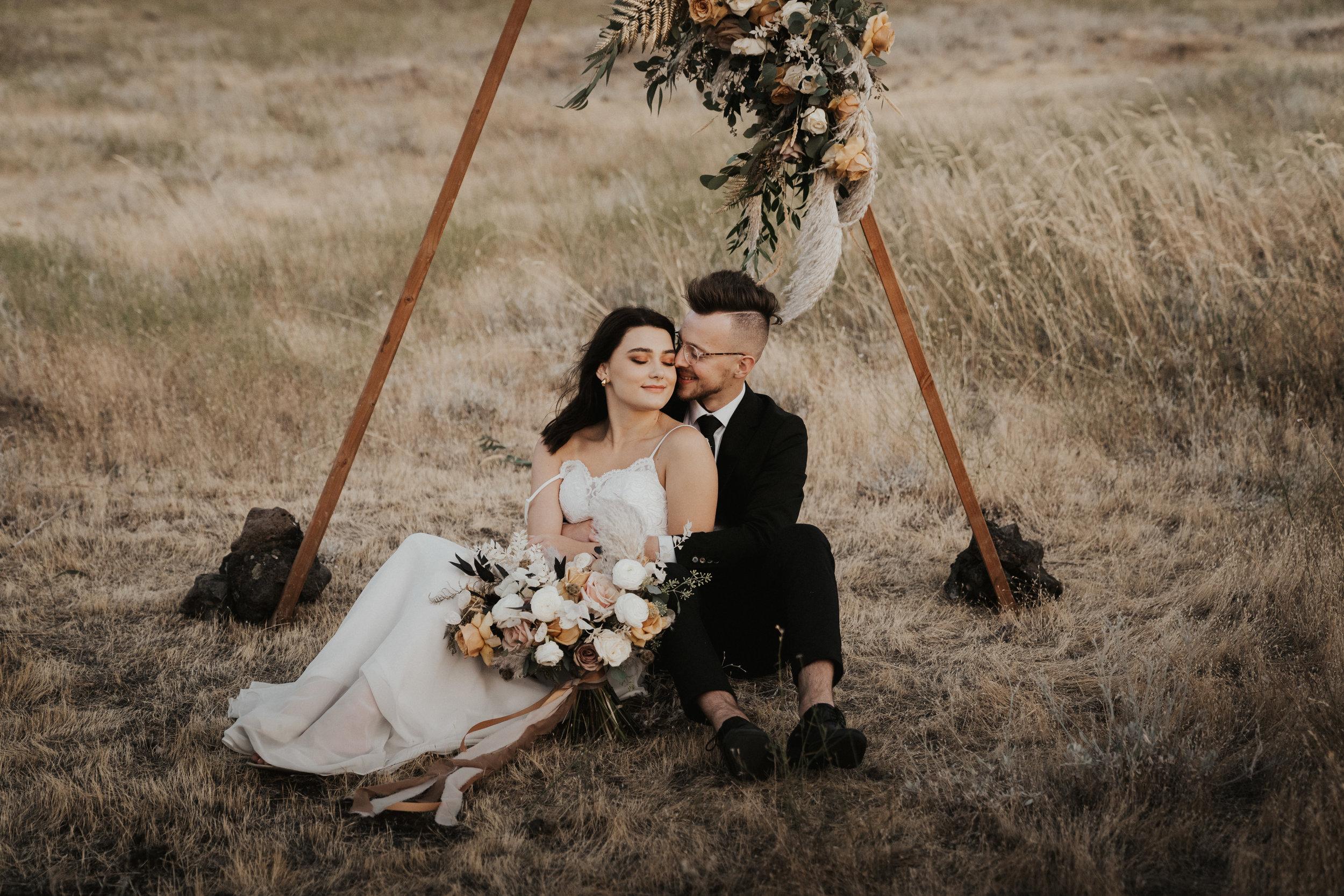 columbia-river-gorge-wedding-elopement-inspiration-26.jpg