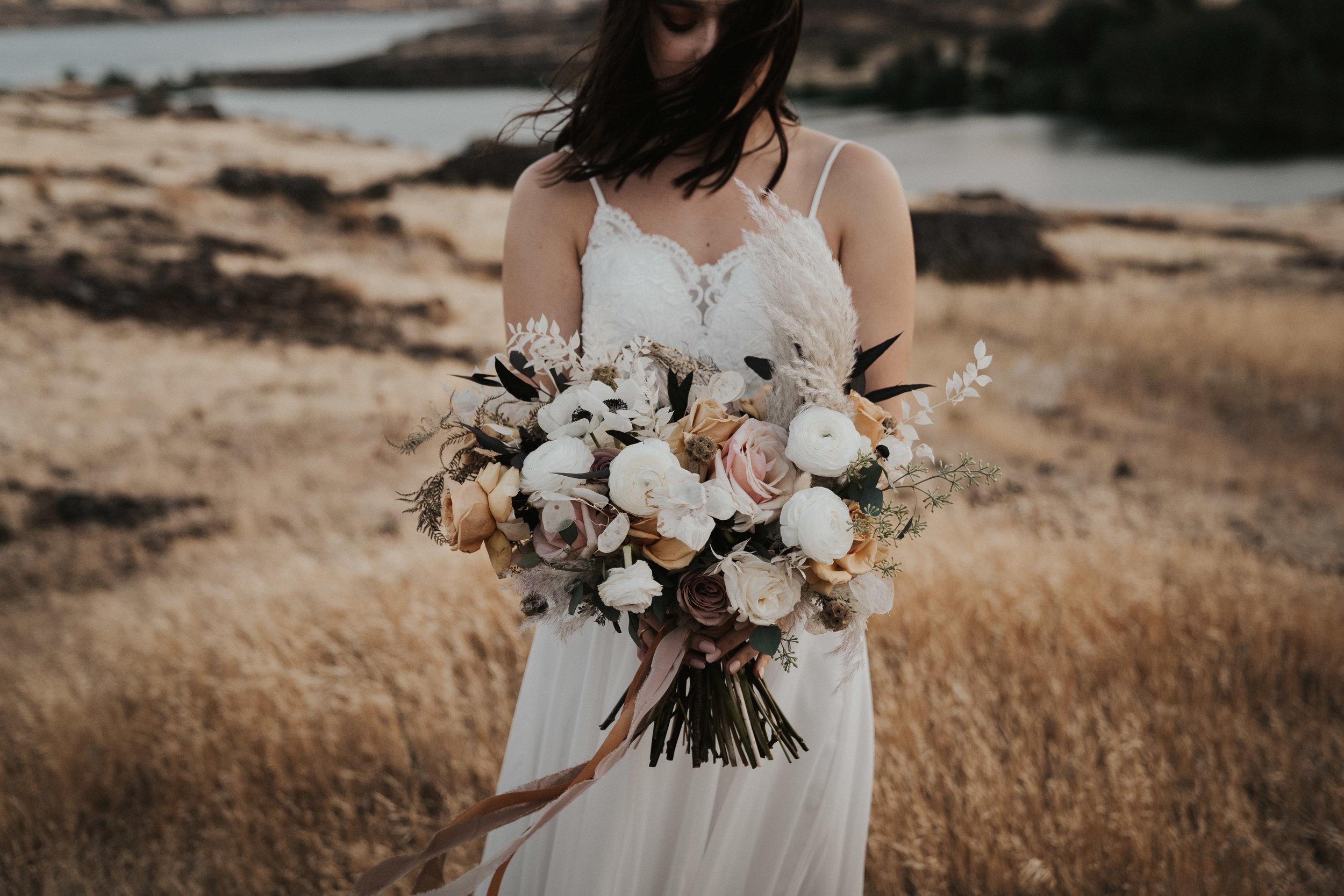 columbia-river-gorge-wedding-elopement-inspiration-40.jpg
