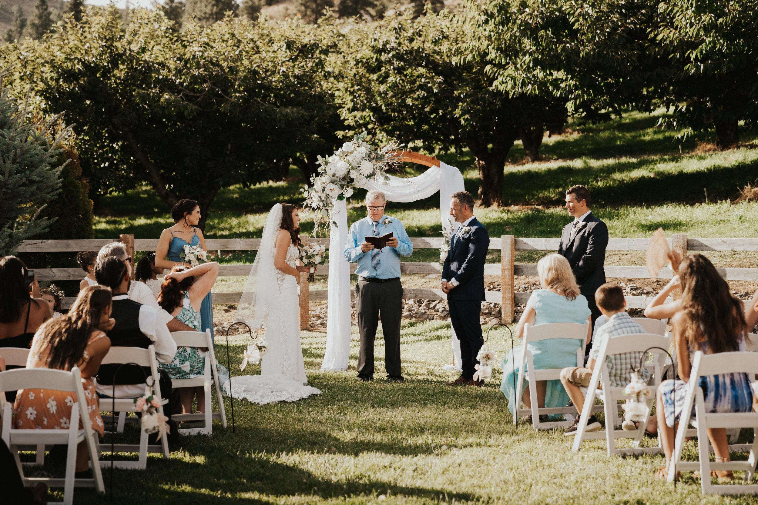 hampton-hideaway-wenatchee-wedding-45.jpg