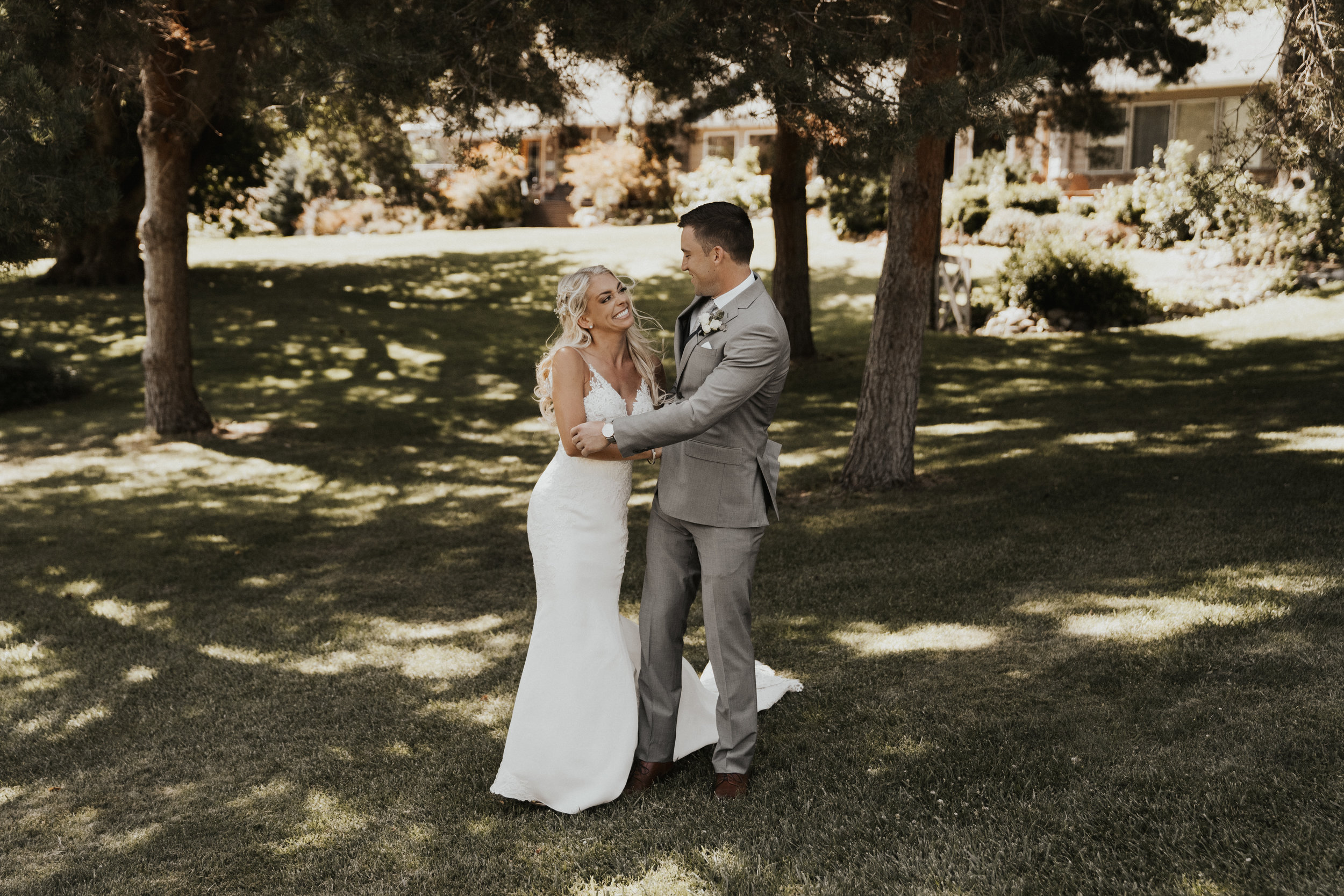 rio-vista-lake-chelan-wedding-11.jpg