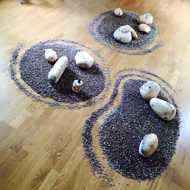 Hadia pebbles 1-2.jpg