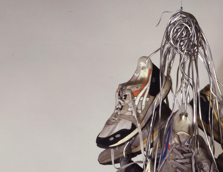 02_sneakers.jpg