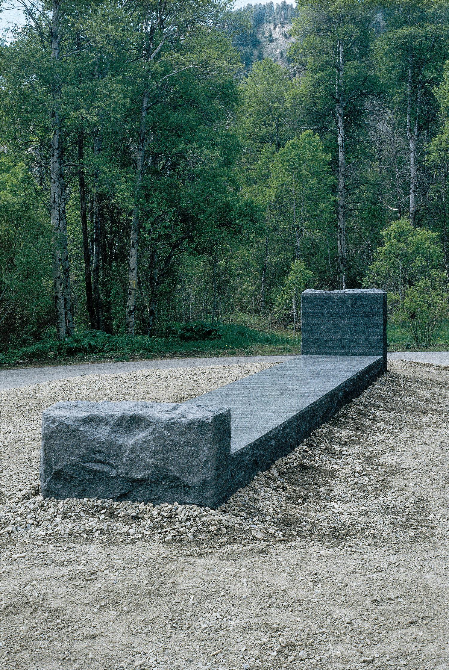01_granite_bed.jpg