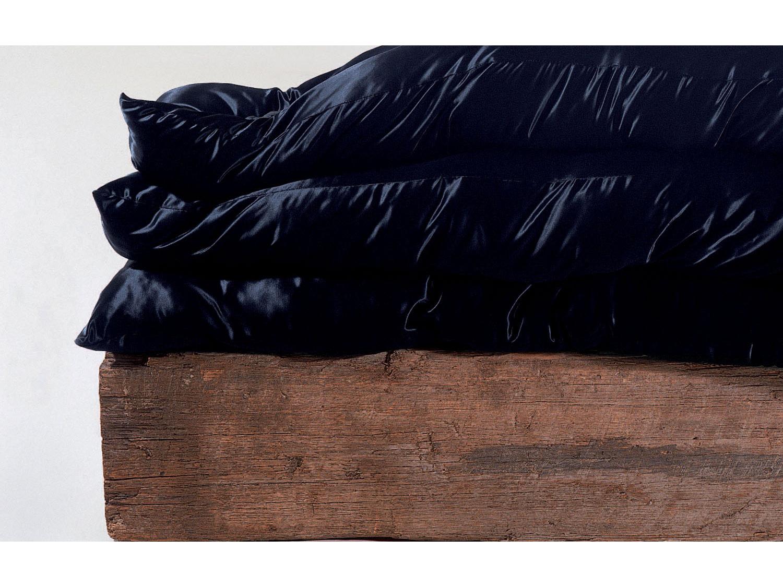 02_black_bed_new.jpg