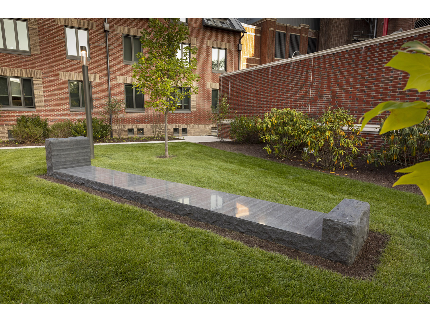 04 Yale.Granite Bed. Harold Shapiro.10.30.18.jpg