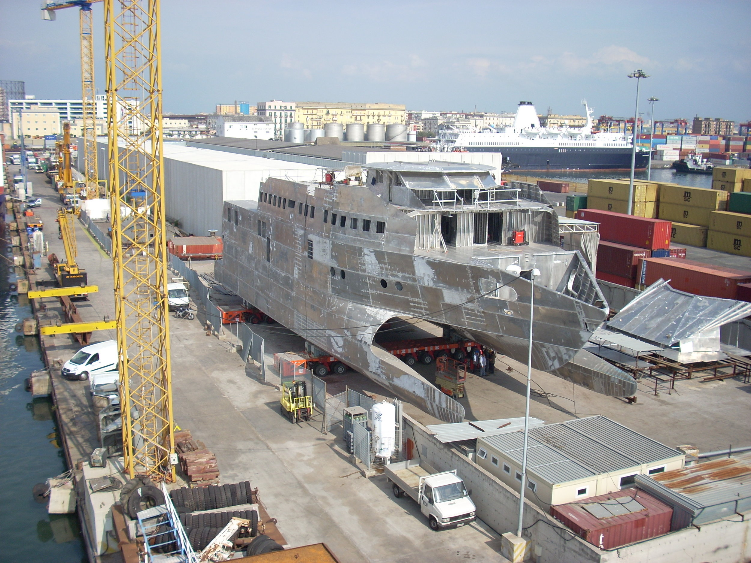Catamarano C353 4.jpg