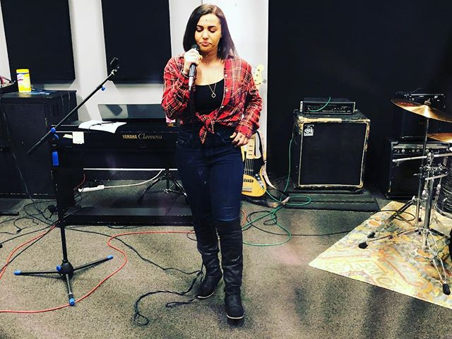 Rehearsals for Saturday🎤 Who's ready to hear some new music? We are🙋‍♀️ #carolinechambers #motorecords #asburyparknj #lakehousemusic #thesaint #newmusic #thissaturday #localmusic @saintapnj @caroline.chambers.music @lhmusicacademy