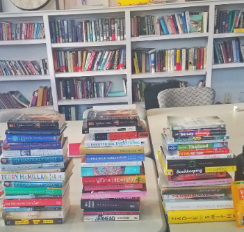 Donations to Covenant House library from BookTini - Oakland/East Bay
