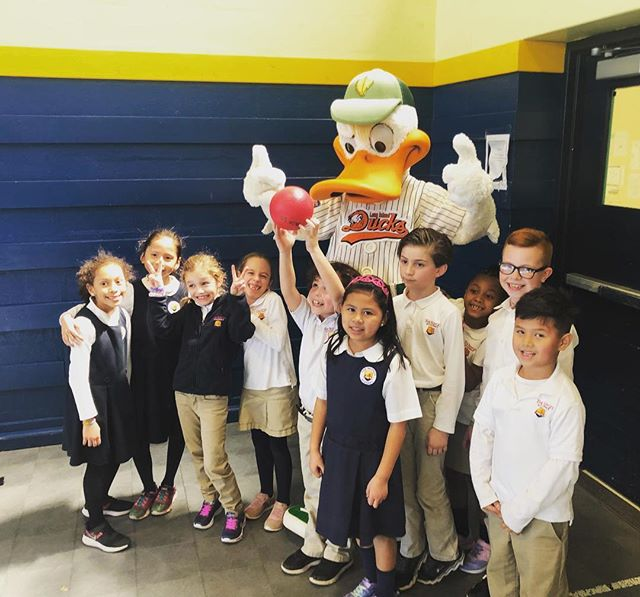 Special visitor!  Quacker Jack had a great day at Bridges.  Who is going to win the fully furnished suite with 20 tickets to see Quacker Jack and the Ducks plus fireworks on May 24th? ⚾️ Link to bid in bio! 🦆 @liducks #thebridgesacademy #getgiving #sfg2019