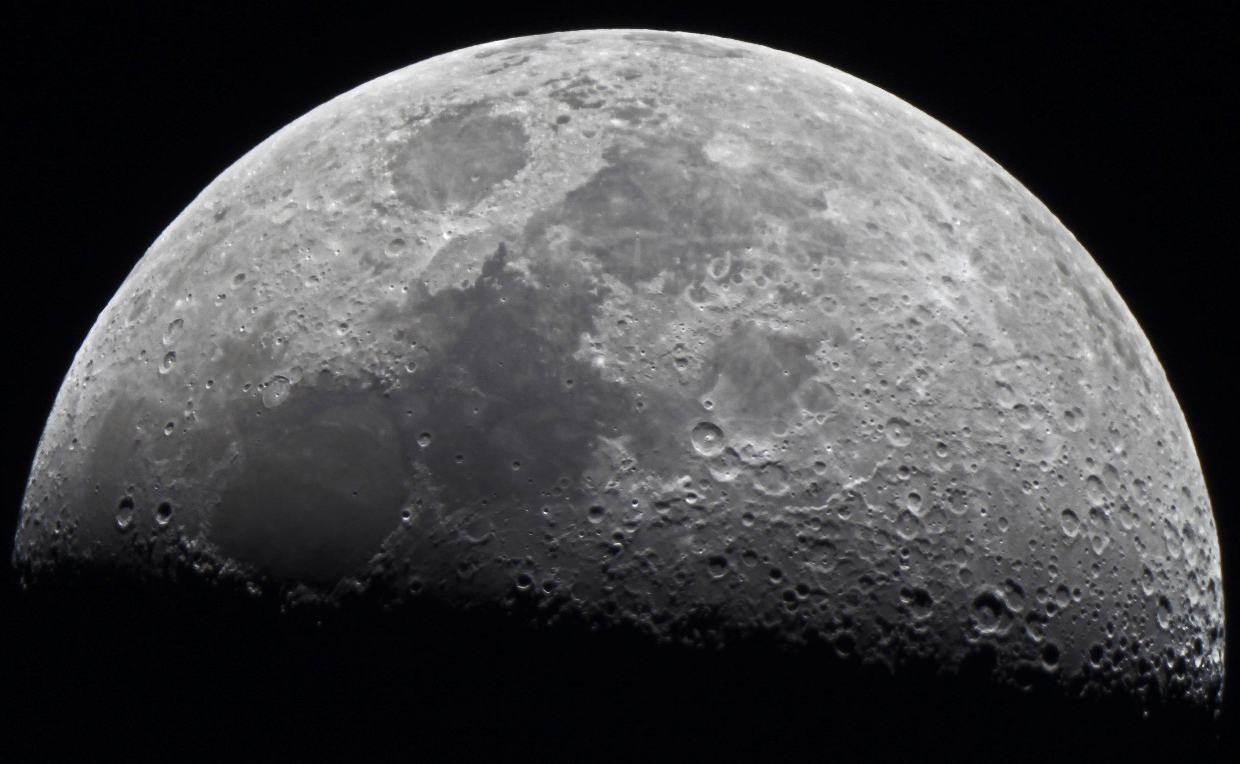 42 Luna Exemplar - Steven Lewis.jpg