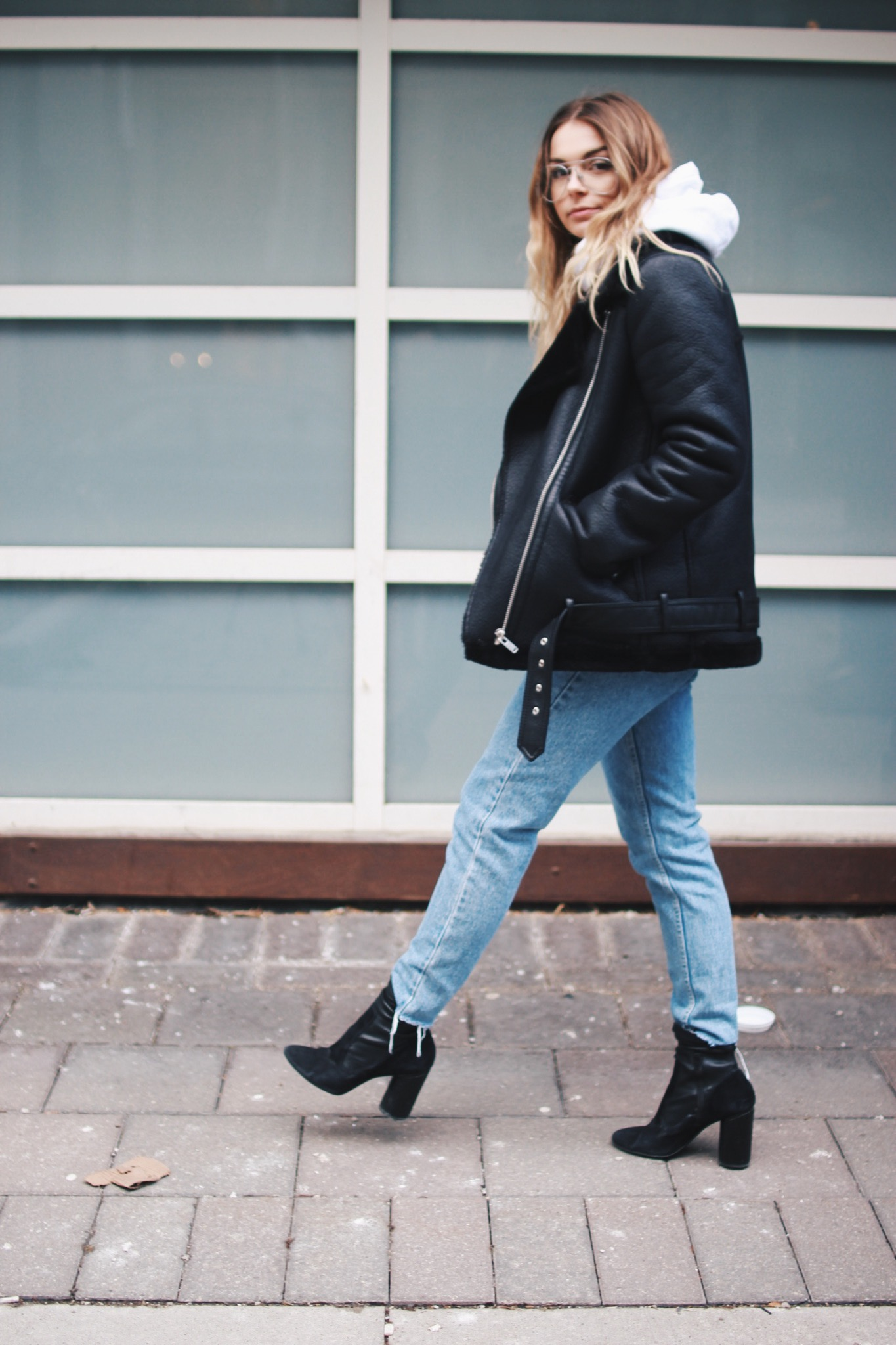 Coat: Zara, Hoodie: Urban Outfitters, Jeans: American Apparel, Boots: Aldo, Glasses: Forever21