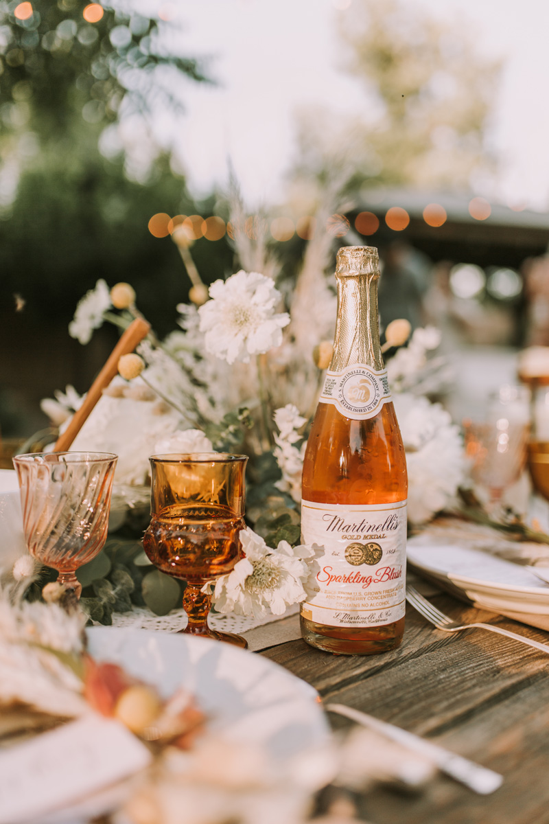 For the beverages we served water and  Martinelli's Sparkling Blush , the rose you really can drink all day;). Not only did the color go perfectly with our pallet, but it is absolutely delicious!