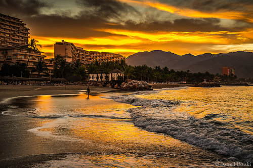 Beach-Sunrise-Puerto-Vallarta-Mexico-4170.jpg