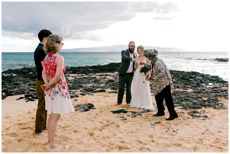 Maui-Intimate-Wedding-Photography-Makena-Cove-Maui-Hawaii_0011.jpg