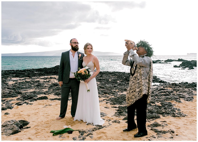 Maui-Intimate-Wedding-Photography-Makena-Cove-Maui-Hawaii_0012.jpg