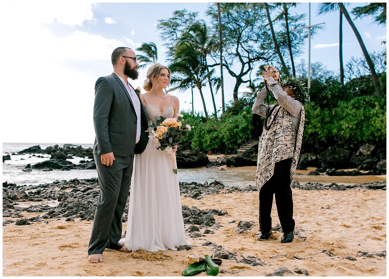 Maui-Intimate-Wedding-Photography-Makena-Cove-Maui-Hawaii_0014.jpg