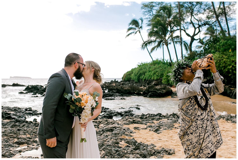 Maui-Intimate-Wedding-Photography-Makena-Cove-Maui-Hawaii_0029.jpg
