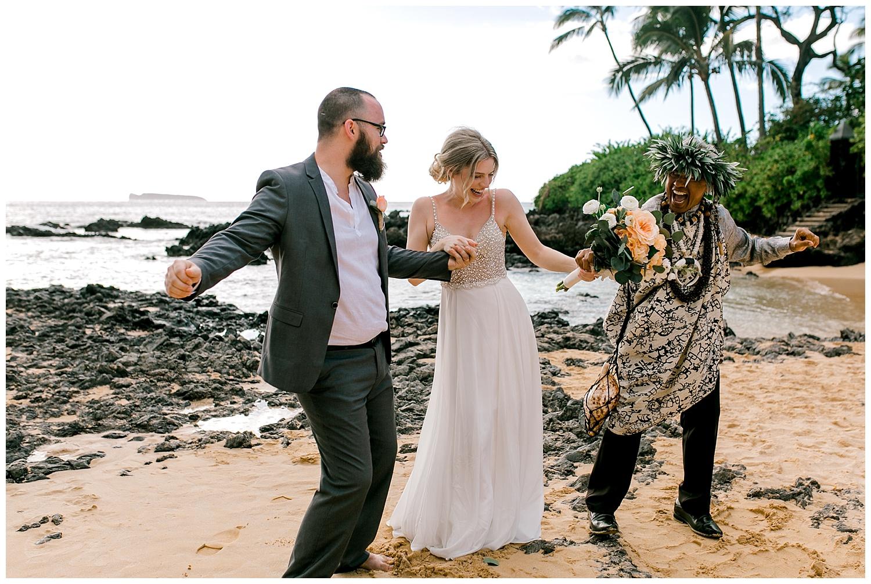 Maui-Intimate-Wedding-Photography-Makena-Cove-Maui-Hawaii_0031.jpg