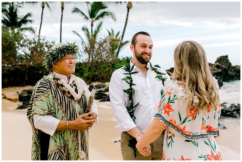 Maui-Elopement-Photography-Makena-Cove-Elopement_0016.jpg