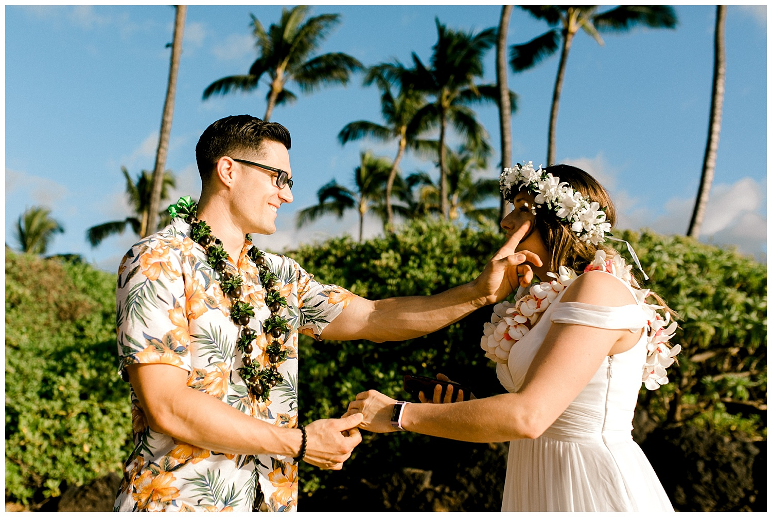 Maui-Elopement-Photography-Paipu-Beach-Maui_0001.jpg