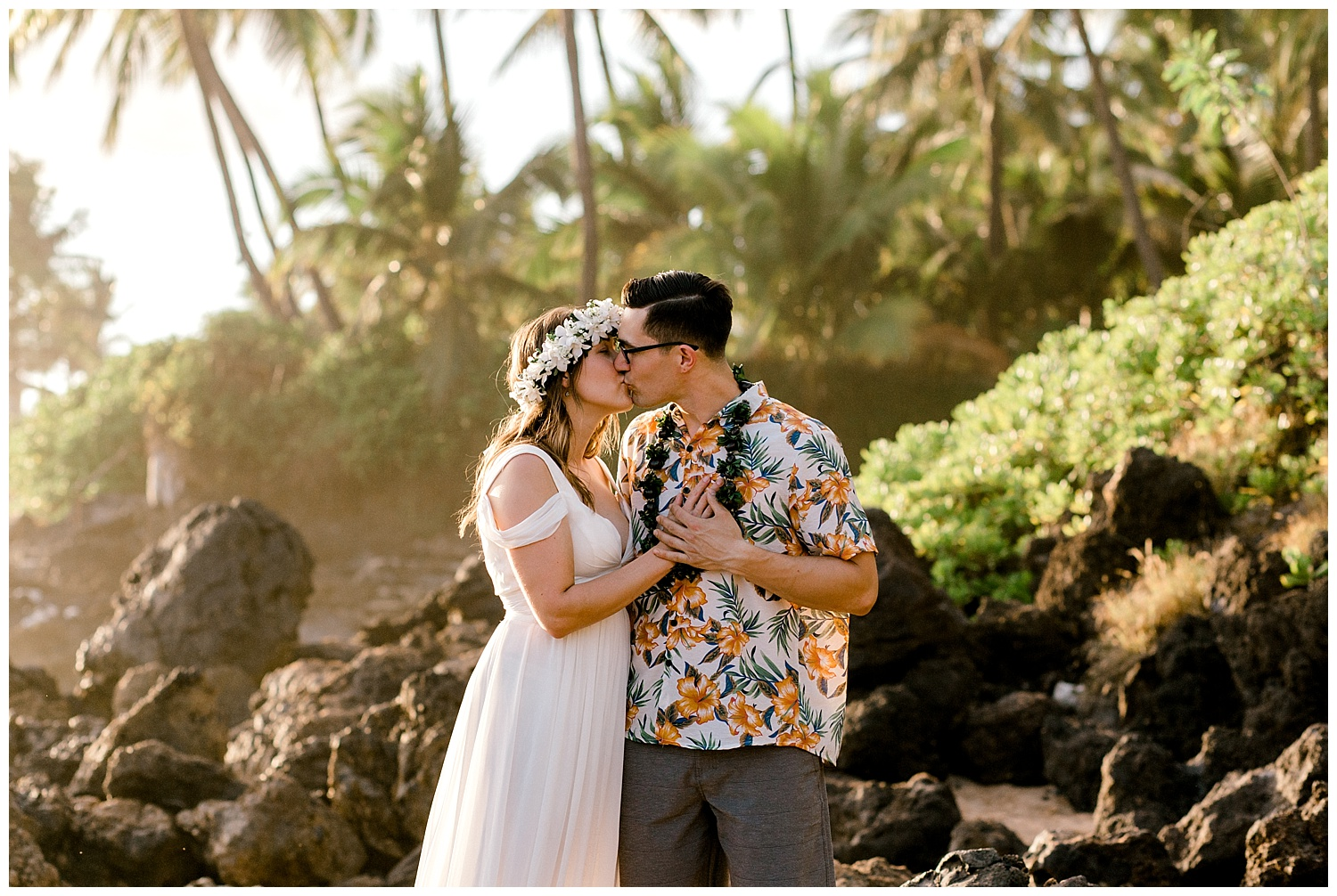 Maui-Elopement-Photography-Paipu-Beach-Maui_0028.jpg