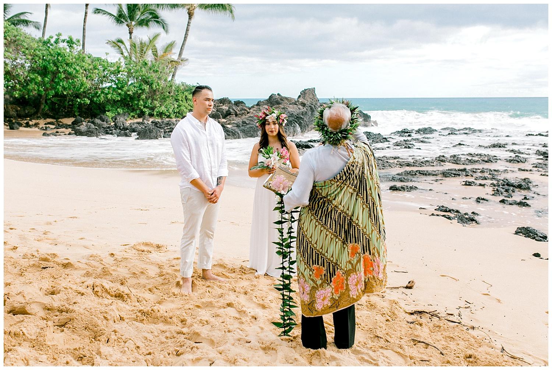 Maui-Elopement-Photography-Paipu-Beach-Maui_0065.jpg