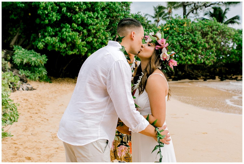 Maui-Elopement-Photography-Paipu-Beach-Maui_0078.jpg