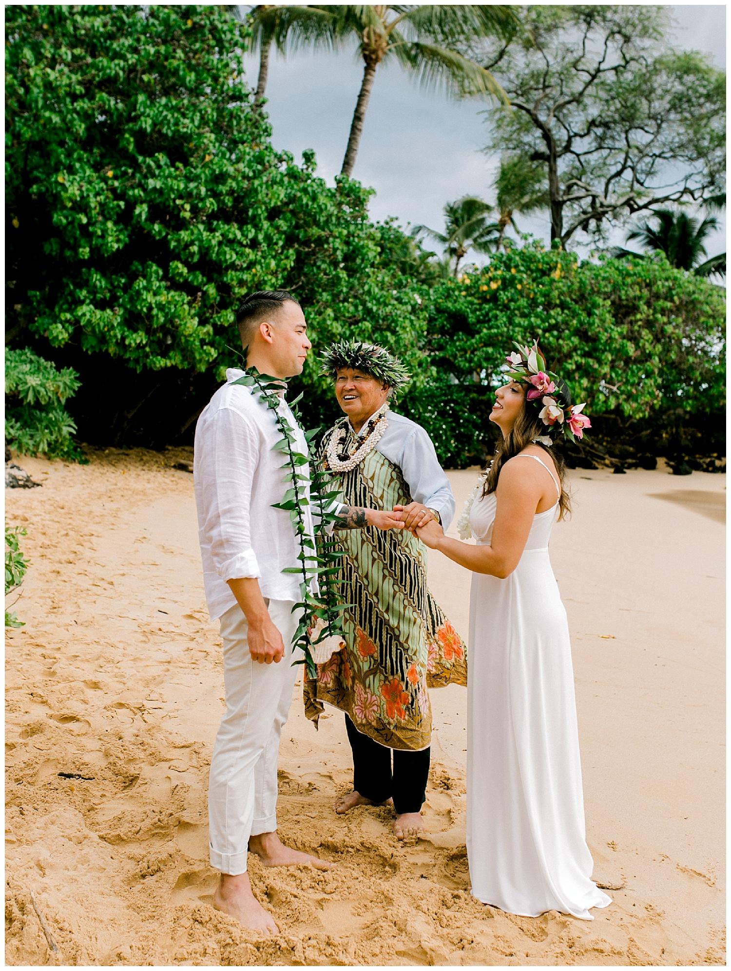 Maui-Elopement-Photography-Paipu-Beach-Maui_0077.jpg