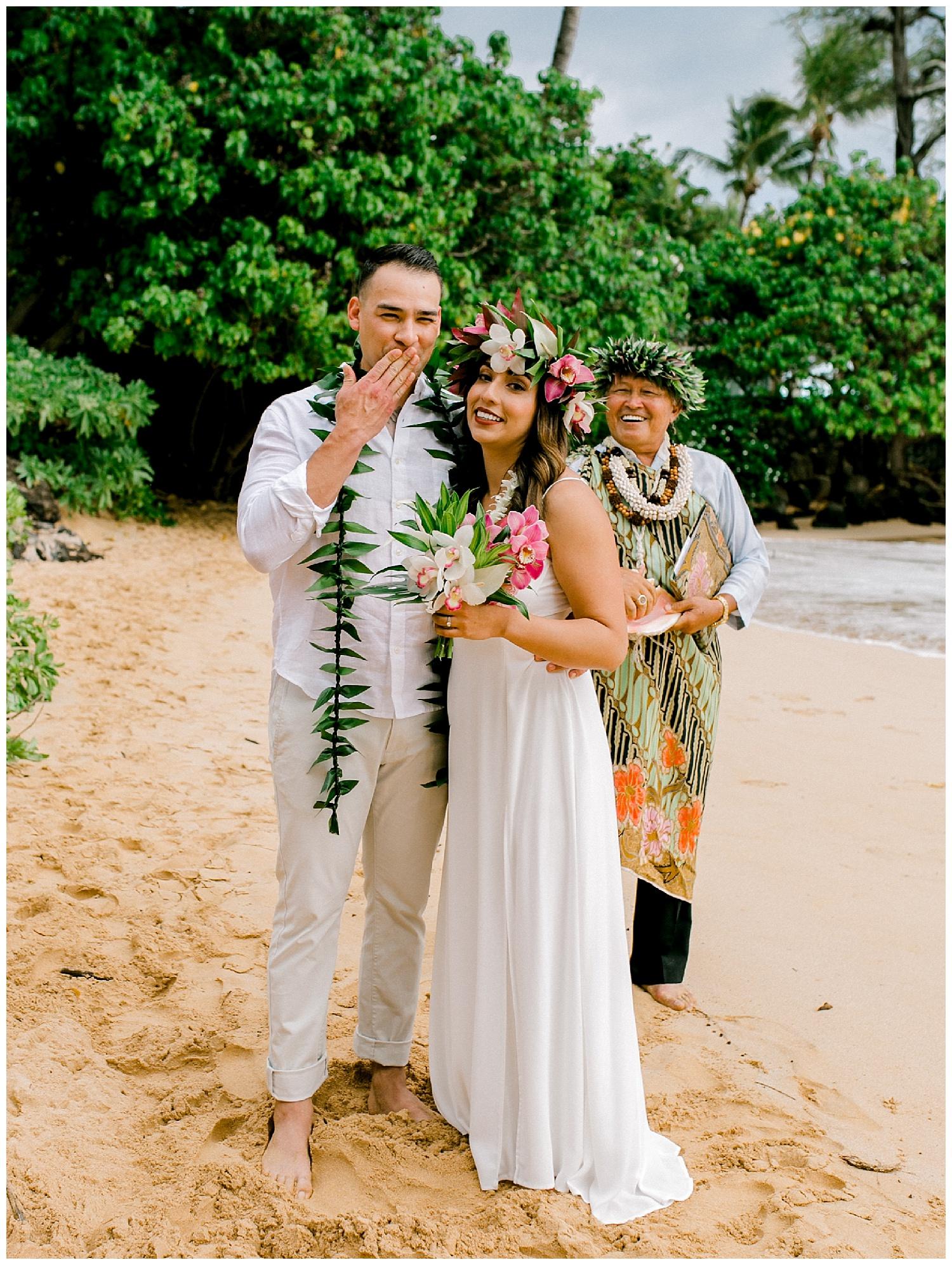 Maui-Elopement-Photography-Paipu-Beach-Maui_0079.jpg