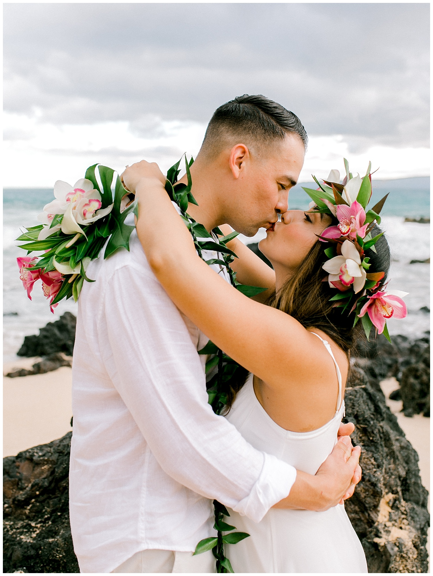 Maui-Elopement-Photography-Paipu-Beach-Maui_0099.jpg