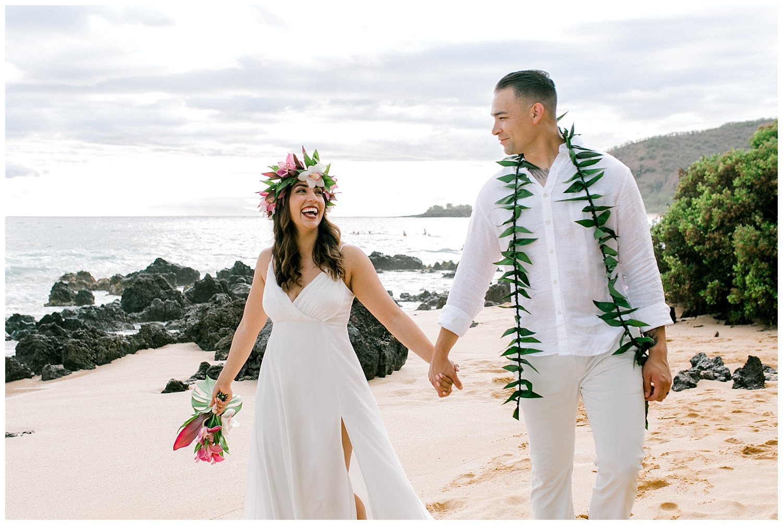 Maui-Elopement-Photography-Paipu-Beach-Maui_0101.jpg