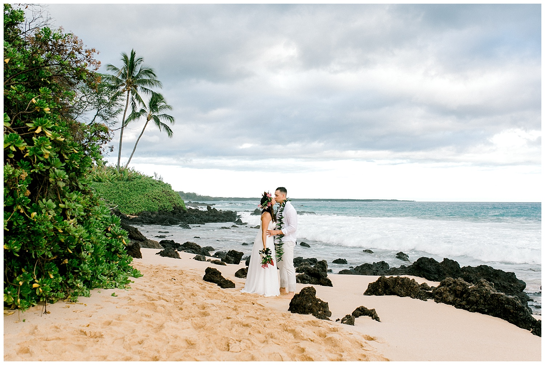 Maui-Elopement-Photography-Paipu-Beach-Maui_0106.jpg