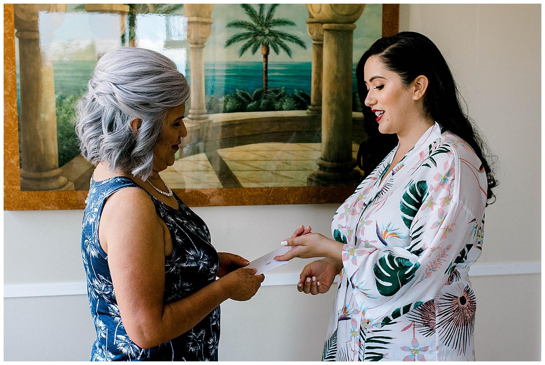 Maui-Wedding-Photography-Getting-Ready_0010.jpg