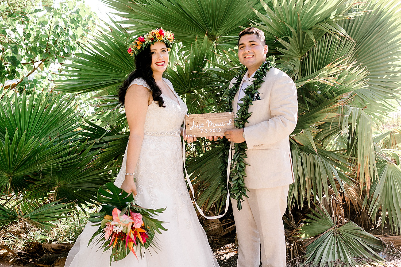 Maui-Wedding-Bride-and-Groom-Portraits-Launiupoko-Beach_0009.jpg
